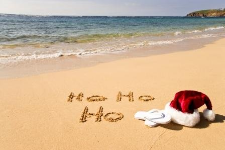 santa-visits-the-beach-this-summer-500